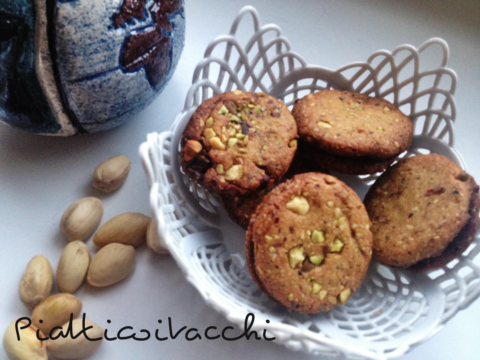 Doppio biscotto con pistacchi e cioccolato piatticoitacchi - Bagno di cioccolato ...