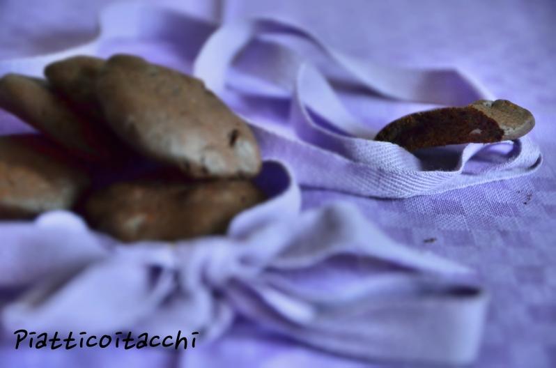 Biscotti con faina di carrube 2